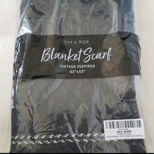 NWT Olive + Pique blanket LOLA scarf in cha